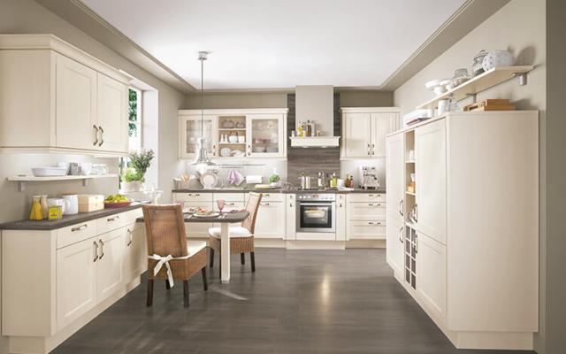 Typisch klassieke keukenelementen driessen keukens